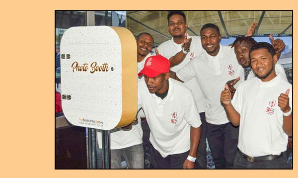 social-media-photobooth-rental-for-events